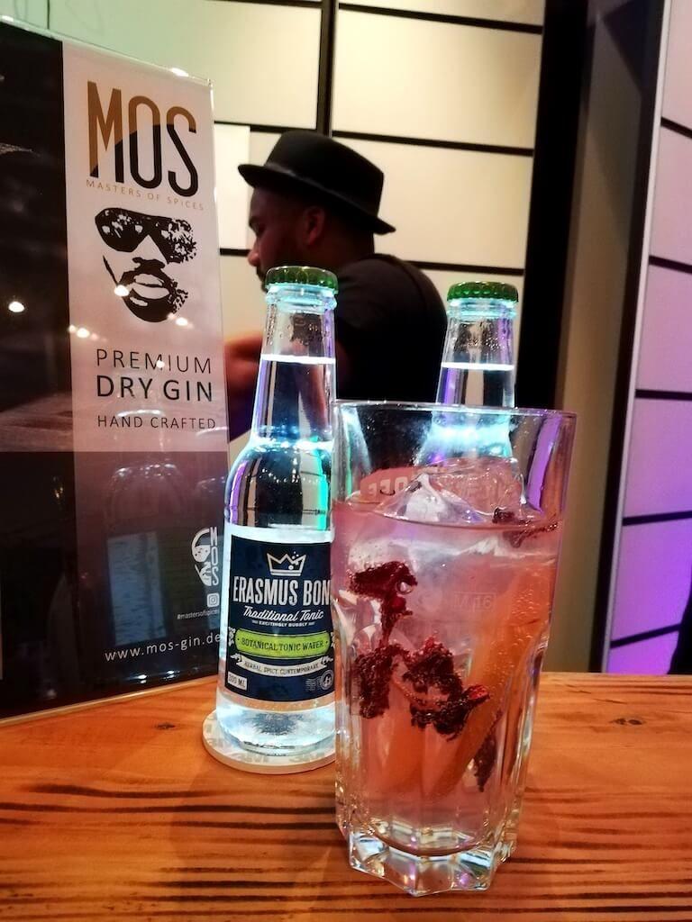 MOS Premium Dry Gin mit Erasmus Bond Traditional Tonic auf dem Hofheimer Gin Festival